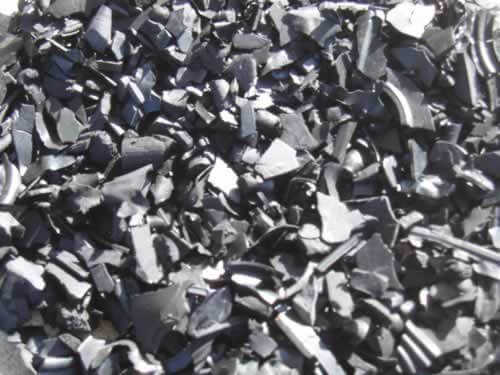 black-rubber-mulch